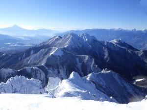 阿弥陀岳から見た南側は展望が秀逸