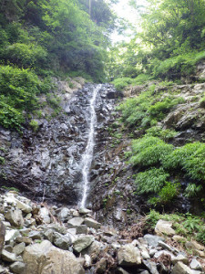 核心の12m滝 使えるハーケンは下部に1本のみ
