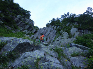 最初の小滝は直登する